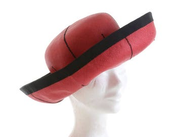 Vintage 1980s red and black straw large hat