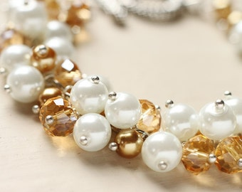 Bridesmaid Jewelry Pearl Cluster Bracelet - Honey Milk