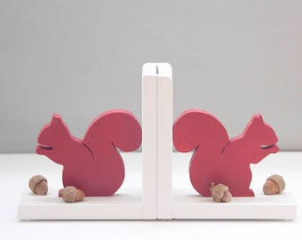 Squirrel bookends, Fathers Day, Bookends, Squirrels with actual off the tree Acorns, Woodland Animal, 100% American made anti skids attached