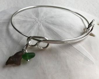 green Atlantic sea glass bracelet with state of Maine charm, Maine charm silver adjustable bangle bracelet, bridal jewelry, beach wedding