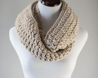 Infinity Scarf // Linen Chunky Cream Infinity Scarf // Handmade Knitwear // Women's Infinity Scarf // Women's Winter Accessories