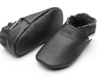 HOT SALE! Baby shoe soft sole Baby gift Kids Toddler Leather booties Moccasins Girls Boys Krabbelschuhe leder Zapato bebé suave Black