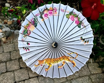 on sale asian silk Chinese prowling tiger 中国丝绸遮阳伞 with pastel rose and foliage parasol umbrella 中国徘徊老虎