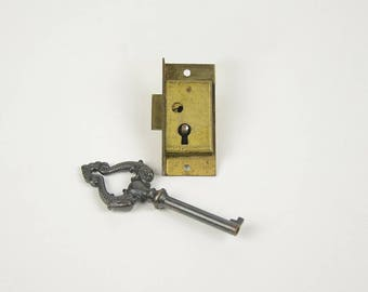 Antique Edison Phonograph Cabinet Lock with Key, Yale and Towne Kissing Dolphin Key, Half Mortise Lock, Furniture Hardware, New Old Stock