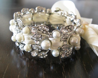 Bridal Pearl Bracelet - Ivory Swarovski pearls and rhinestone Weddings Rinestone  Bridal Bracelet  Crystal pearl