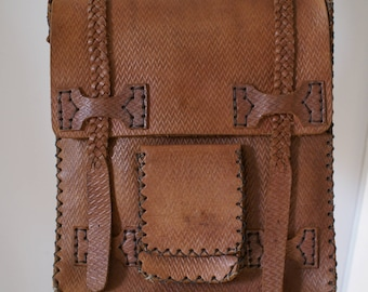 Vintage 1970's Large Brown Leather Cross Body Purse/Handbag/Messenger Bag