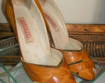 Vintage 1980's Bandolino Brown Leather Peep Toe Pumps - Size 7 N