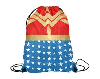 Wonder sac à cordon de serrage pour femme | Insignes | Caractères gras impression d'Art | Léger | École de natation sportive Shopping | Fond lumineux | Super héros Marvel