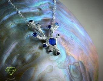 Gargantilla plata con gemas, Regalo Día de la Madre, Collar plata forma de Coral, Collar con rubies, Joyería del mar, Estilo boho