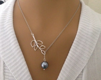 Light Gray Pearl and Leaf Lariat Necklace