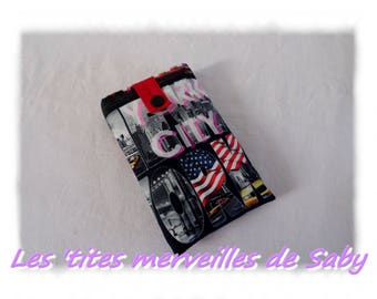 """cover has smartphone zippered theme """"New York"""""""