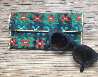 Vintage Woven Embroidered Mini Clutch Wallet Glasses Case, Gold Trim, Plaid Clutch, Woven Clutch, Embroidered Wallet, Vintage Accessories