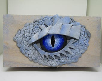 Unique Blue Ice Dragon Eye Trinket/Dice Box || Tabletop Gaming RPG Wooden Dice Chest || Dungeons & Dragons DND || Pathfinder || Geek Gift ||