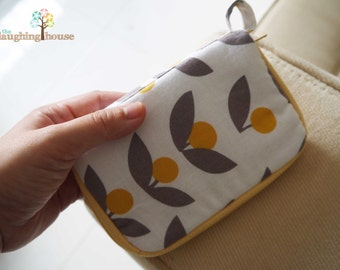PREMIUM iPhone Case/Mini Purse (Tove in Dandelion)