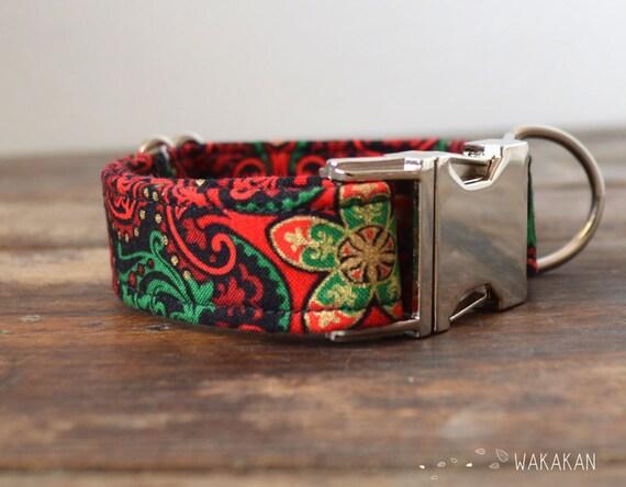 Elf dog collar adjustable. Handmade with 100% cotton fabric. Red, green and golden tones. Xmas season. Elegant and chic. Wakakan
