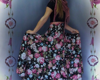 Wonderful vintage floral maxi skirt / very full panelled heavy cotton floral in pink and white romantic bohemian beauty