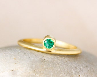 Choose Your Birthstone Ring - Round Birthstone Ring - May Emerald Birthstone