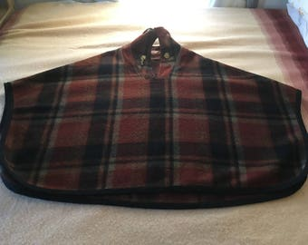 Vtg 50's FLAMSTEAD of Vermont Plaid Wool Cape Cloak Tartan Indian Head Buttons Chain