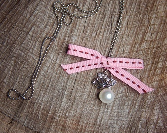 Pearl Butterfly Necklace ~1 pieces #100416