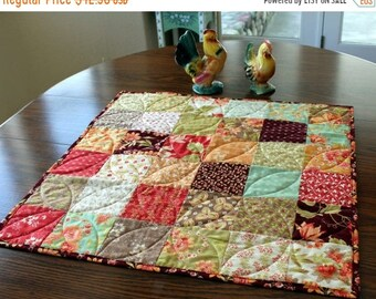 ETSY BIRTHDAY SALE Patchwork Quilt Table Runner - Homemade Centerpiece - Quilted Table Runner - Fall Decoration - Table Runner