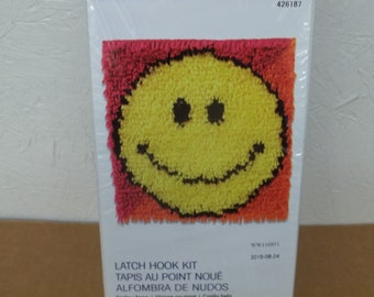New In Box Wonderart Smiley Face Latch Hook Kit