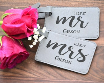 Mr and Mrs Luggage Tag, Custom Couple Travel Tag, Personalized Leather Luggage Tags, Wedding Gift for Couple, Newlywed Honeymoon Gift