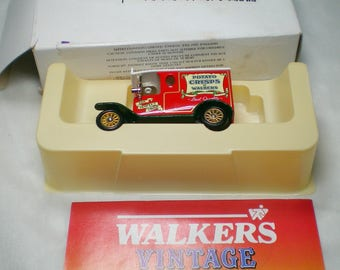 Walkers Vintage Models, Lledo cars, 1990 limited edition, 1920 model T Ford van, diecast model, collectible boxed scale model with paperwork