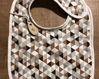 Geometric gray and Brown bib
