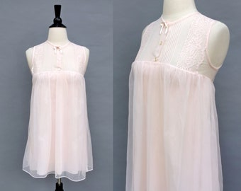 vintage 60s baby pink babydoll nightie || 1960s Movie Star nylon chiffon short negligee | sheer pintuck and lace lingerie nightgown | xxs xs