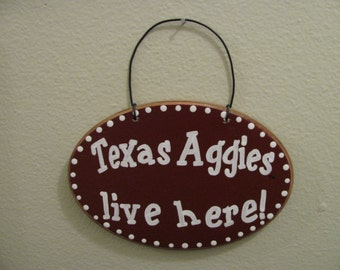 2713 Texas Aggies Live Here plaque