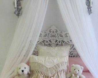Chambre de bébé blanc décor Shabby Chic princesse lit filles