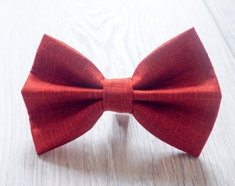 Red dog bow tie  / Cat bow tie / Bowties for puppies/ Bowties for kittens / Accessory / Velcro attachment to collar