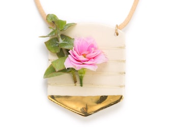 Gold Arrow Ceramic Fresh Flower Display necklace