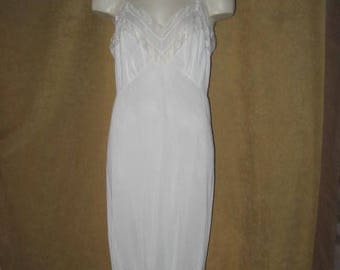 "Vanity Fair Full Slip Lace White 37"" 50s 60s Vintage"