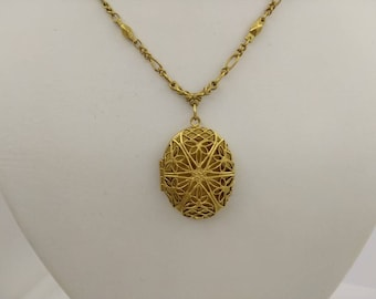 1928 Jewellery Company Opening Locket Gold tone  Necklace Pendant