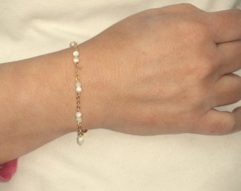 Gold delicate mother of pearl bracelet, Delicate gold pearl bracelet, Delicate bracelet, Mother of pearl bracelet, Pearl bracelet, Gifts