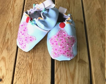 Soft baby booties, faux leather booties, baby girl booties, baby booties,