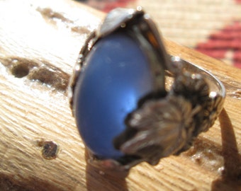 Ornate Sterling Silver Leaves with Blue Chalcedony Ring Size 5.25