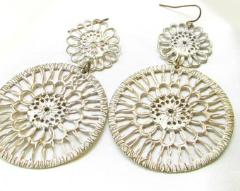 Vintage Circular Flower Dangle Earrings