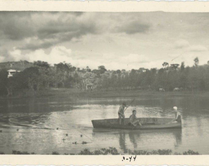 Vintage Snapshot Photo: On the Lake, 1944 [83659]