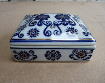 Vintage White Porcelain Trinket Box