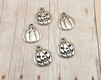 Set of 5 Silver Pewter Charms - Jack-O-Lanterns - Pumpkins - Antique Silver Finish - Halloween Charms - Two Sided