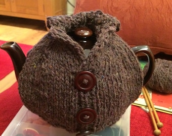 Knitted teacosy