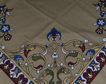Camel, high quality tabel cloth 170X160 cm.