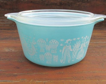 Pyrex 1957 Round Turquoise Amish Butterprint One Quart Casserole Dish #473 with Matching Lid