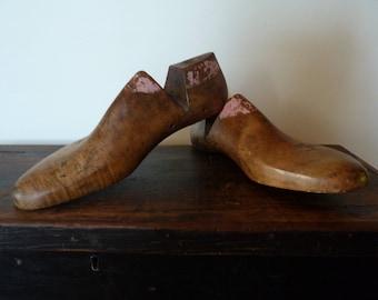 vintage wooden shoe lasts / antique shoe forms / men's size 8 / shoe forms / stretchers / cobblers
