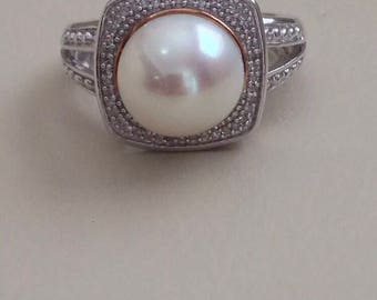Honora Freshwater Cultured Pearl And 1/10 Ct Tw Diamond Ring