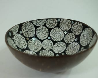 CB63   Coconut Bowl With Egg Shell Inlaid Inside   White Balls On Black  Lacquer