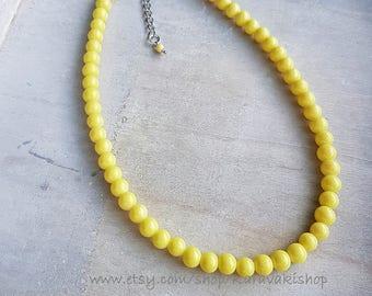 Simple single strand Yellow necklace, Lemon yellow pale yellow necklace,Yellow bridesmaid gift,Grey yellow wedding, Yellow jewelry
