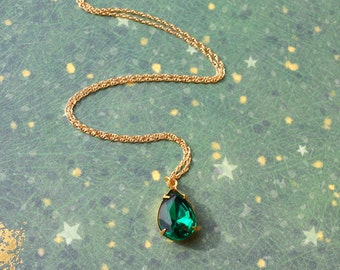 Emerald Pendant Necklace, Vintage Glass Teardrop Necklace, Emerald Green Jewelry, Gold Filled Chain Necklace, Green Glass Necklace Wife Gift